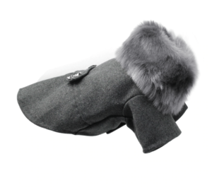 2019 12 10 15 32 19 300x269 - Шикарное серое пальто с меховым воротником