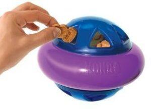 KONG игрушка для собак Hopz мяч для лакомств, с пищалкой